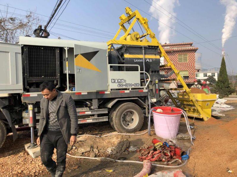 三民重科搅拌泵车领航江城岗下寨村高压线塔桩